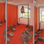 Installation, 2014, Steine, Papier, Folie, Eisen