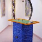 Spielinsel, 2014, Acryl auf Holz, Stahl, Glocke, Tipp-Kick, 56x94x180 cm